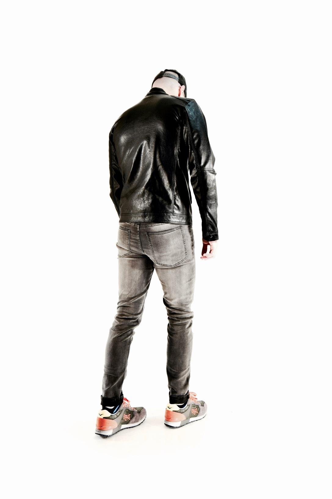 cheap mondays, skinny jeans, sneakers, roman, fashionblogger, styleblogger, back, jacket, hat,